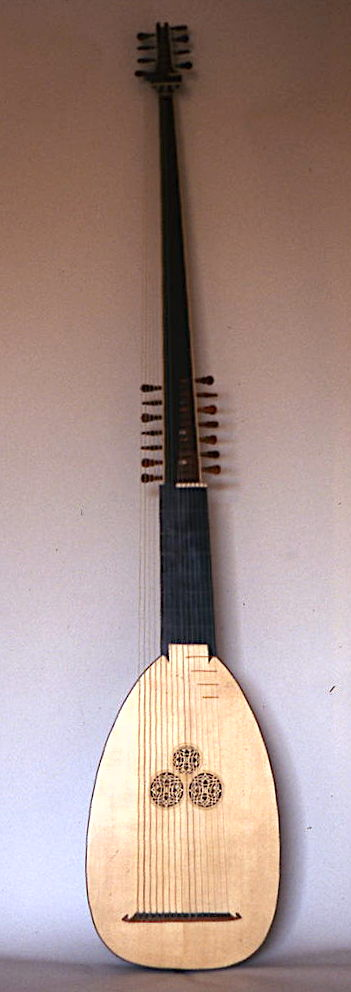 Theorbo after Sellas